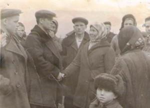 Белоногова Прасковья Фёдоровна. Проводы в армию  младшего сына Валентина