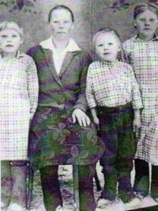 Намятова Анисья Семёновна и ее дети