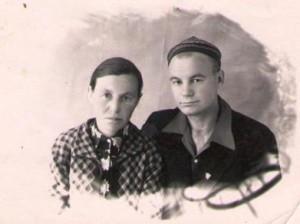 Ефросинья Ивановна со старшим сыном Евгением - 1909г.