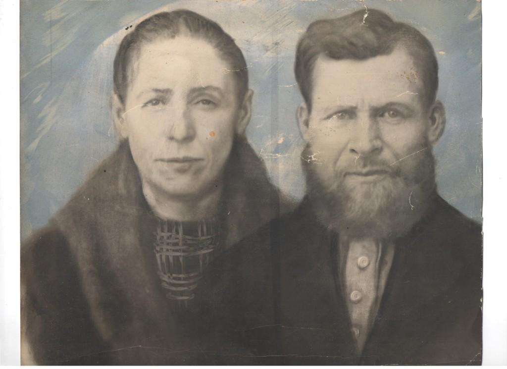 с Шадр на снимке Коростелёв Игнатий Федорович, Анна Емельяновна 001